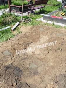 Монтаж пам'ятника з граніту