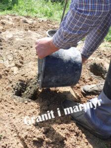 Встановлення пам'ятника з граніту